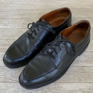 Cole Haan Pebbled Leather Oxford. 6354 size 10.5M